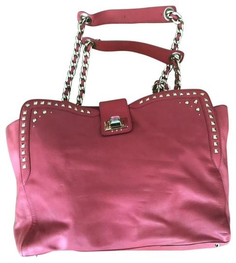 Preload https://img-static.tradesy.com/item/23337848/juicy-couture-chain-handles-coral-leather-tote-0-1-540-540.jpg