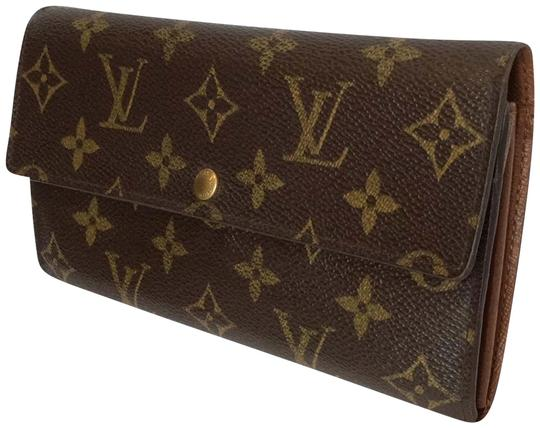 Preload https://item4.tradesy.com/images/louis-vuitton-brown-classic-monogramed-lv-wallet-23337903-0-7.jpg?width=440&height=440