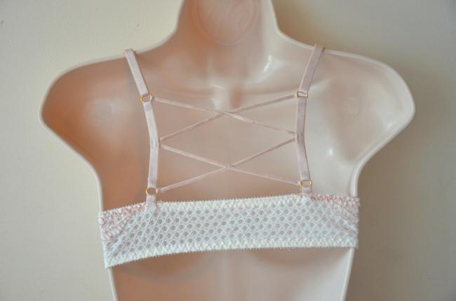 Victoria's Secret Lingerie Underwired Lace Unlined Summer Top Ivory Image 2