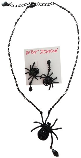 Preload https://img-static.tradesy.com/item/23338090/betsey-johnson-black-new-spider-necklace-and-earrings-0-1-540-540.jpg