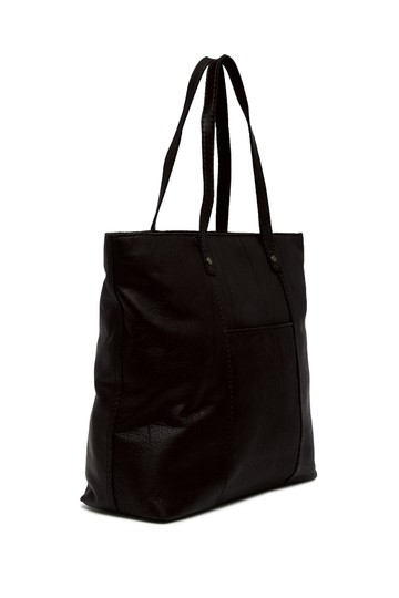 Preload https://item5.tradesy.com/images/black-leather-tote-23338174-0-0.jpg?width=440&height=440