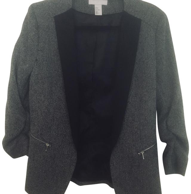 Preload https://img-static.tradesy.com/item/23338526/h-and-m-black-and-white-fitted-pant-suit-size-12-l-0-2-650-650.jpg