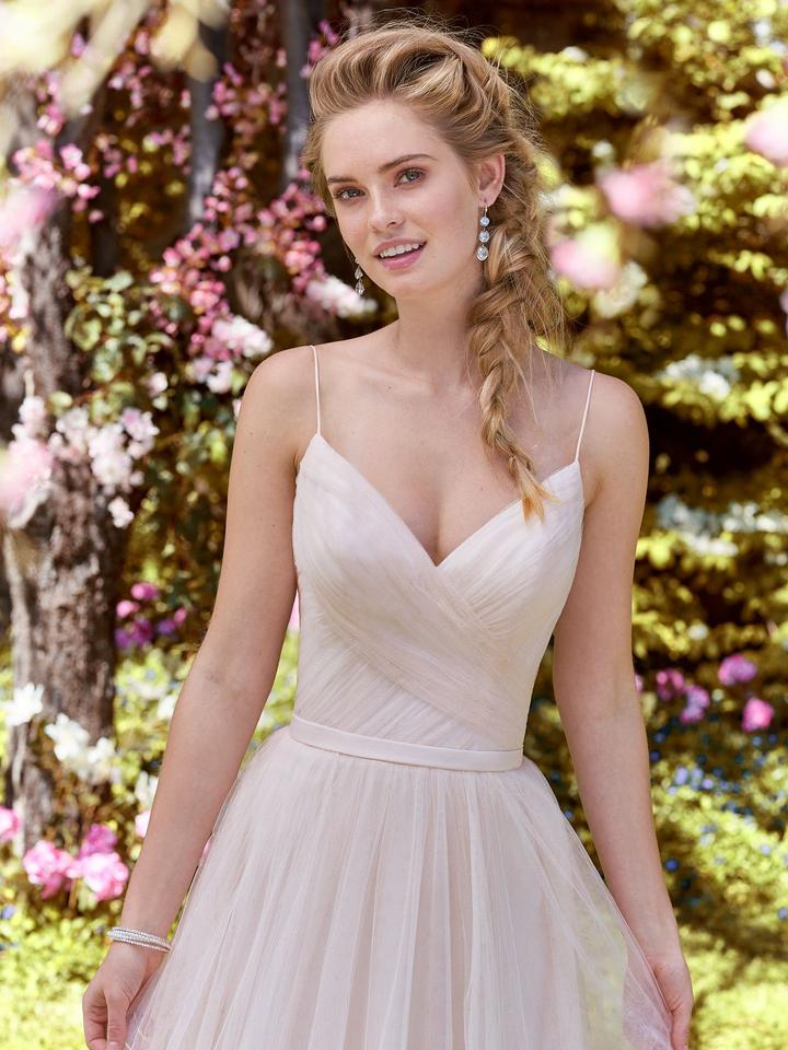 Maggie Sottero All Blush Tulle Maxine Modern Wedding Dress Size 6 (S ...