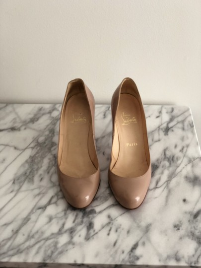 Christian Louboutin Classic Patent Leather Kitten Heel Round Toe Leather NUDE Pumps