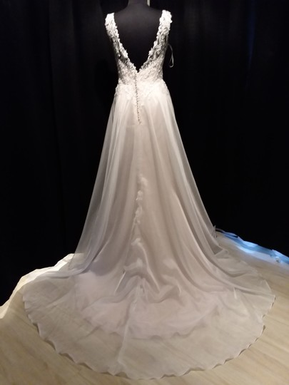 Maggie Sottero Ivory Over Soft Blush Lace Tulle and Organza Joyce Modern Wedding Dress Size 12 (L) Image 5