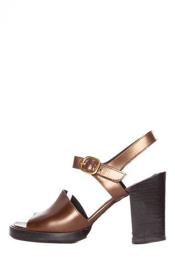 Preload https://item5.tradesy.com/images/robert-clergerie-brown-leather-buckle-closure-sandals-size-us-55-regular-m-b-23339054-0-0.jpg?width=440&height=440