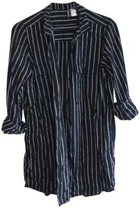d56374e5d0 Divided by H&M Vertical Stripes Comfortable Button Down Shirt Navy and White