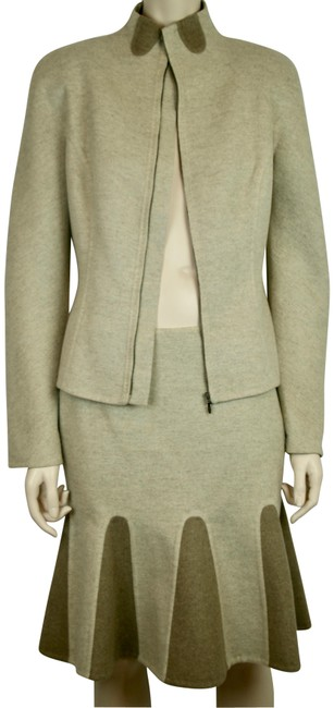 Preload https://item3.tradesy.com/images/alexander-mcqueen-beige-brown-and-cashmere-blend-skirt-suit-size-6-s-23339177-0-1.jpg?width=400&height=650