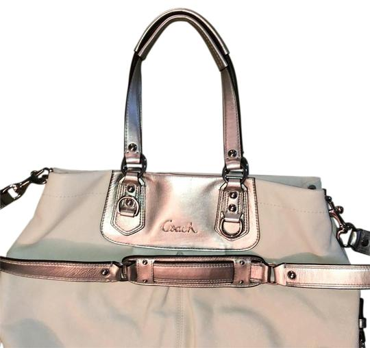 Preload https://img-static.tradesy.com/item/23339207/coach-silver-and-white-leather-tote-0-1-540-540.jpg