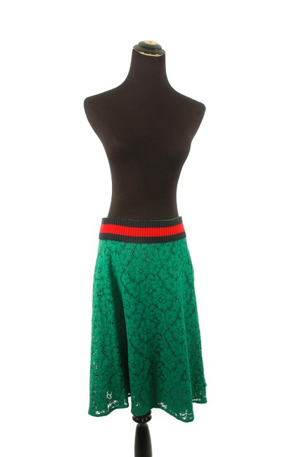 Preload https://img-static.tradesy.com/item/23339305/gucci-green-lace-skirt-size-8-m-29-30-0-0-650-650.jpg