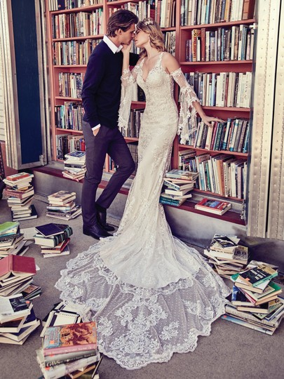 Preload https://img-static.tradesy.com/item/23339306/maggie-sottero-ivory-over-pearl-lace-lucienne-modern-wedding-dress-size-10-m-0-0-540-540.jpg