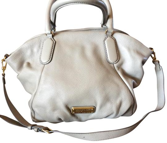 Preload https://item4.tradesy.com/images/marc-by-marc-jacobs-grey-satchel-hobo-bag-23339358-0-1.jpg?width=440&height=440