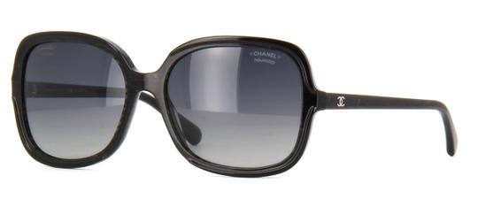 Preload https://img-static.tradesy.com/item/23339463/chanel-black-5319-cc-logo-signature-square-oversized-glitter-wayfarer-polarized-sunglasses-0-0-540-540.jpg