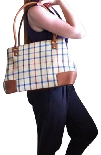 Preload https://img-static.tradesy.com/item/23339546/brooks-brothers-large-handsome-canvas-bag-with-genuine-leather-edges-tote-0-3-540-540.jpg