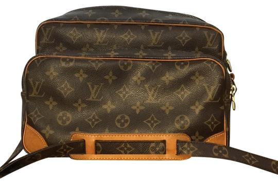 Preload https://item5.tradesy.com/images/louis-vuitton-nile-monogram-canvas-cross-body-bag-23339584-0-1.jpg?width=440&height=440