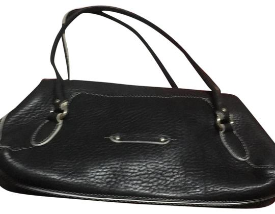 Preload https://item5.tradesy.com/images/cole-haan-black-leather-tote-23339799-0-1.jpg?width=440&height=440