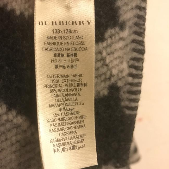Burberry Cape Image 5