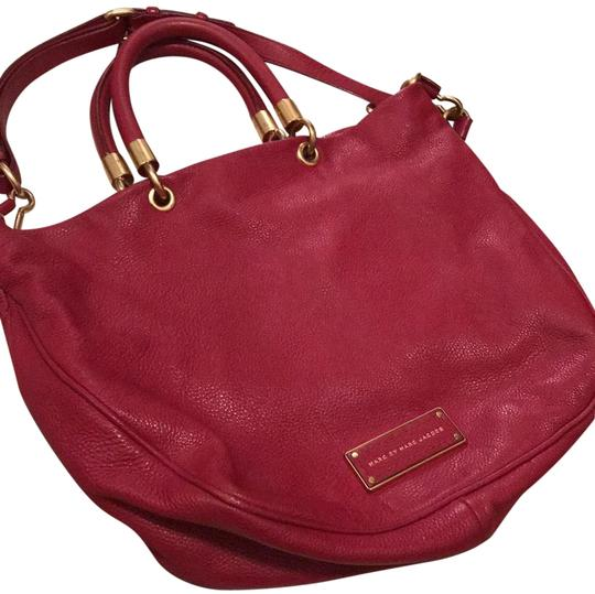 Preload https://img-static.tradesy.com/item/23340012/marc-by-marc-jacobs-too-hot-to-handle-lipstick-red-pebble-leather-hobo-bag-0-1-540-540.jpg