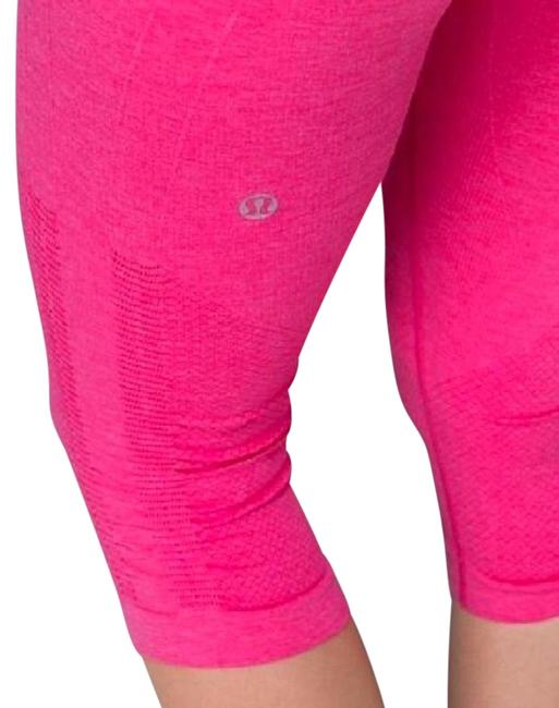 Preload https://item2.tradesy.com/images/lululemon-pink-in-the-flow-hot-seamless-crops-capris-size-6-s-28-23340246-0-1.jpg?width=400&height=650