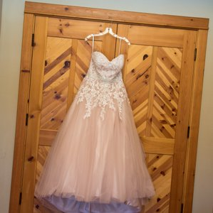 Peach Blush and Ivory Formal Wedding Dress Size Petite 12 (L)