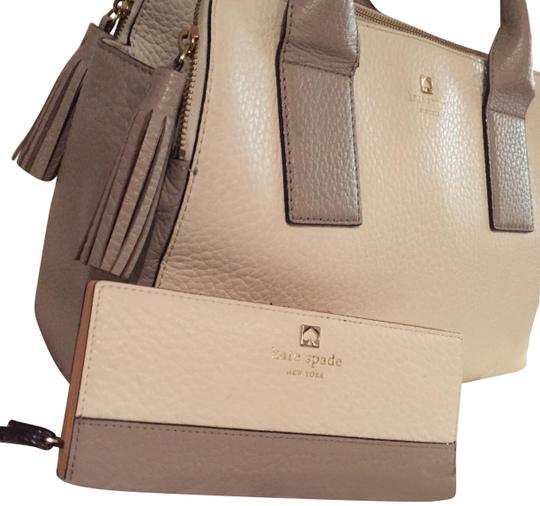 Preload https://item1.tradesy.com/images/kate-spade-set-of-southport-avenue-lydia-handbag-and-wallet-cream-leather-satchel-23340290-0-1.jpg?width=440&height=440