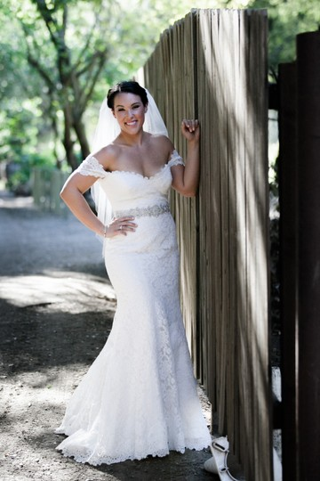Preload https://item3.tradesy.com/images/romona-keveza-off-white-lace-natural-white-legends-l502-traditional-wedding-dress-size-10-m-23340512-0-0.jpg?width=440&height=440
