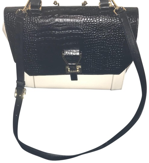 Preload https://img-static.tradesy.com/item/23340525/nine-west-blackwhite-leather-satchel-0-1-540-540.jpg