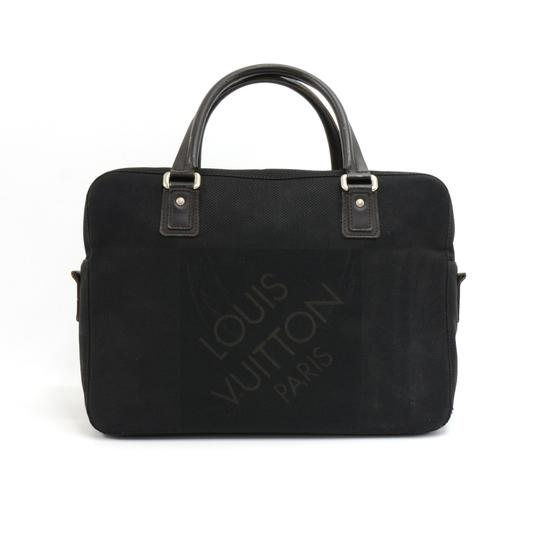 Preload https://item1.tradesy.com/images/louis-vuitton-yack-damier-geant-briefcase-black-canvas-laptop-bag-23340605-0-0.jpg?width=440&height=440