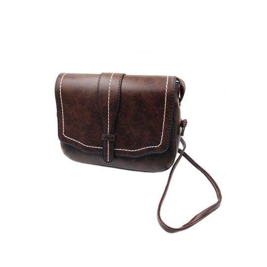Preload https://item3.tradesy.com/images/women-s-brown-faux-leather-shoulder-bag-23340607-0-0.jpg?width=440&height=440
