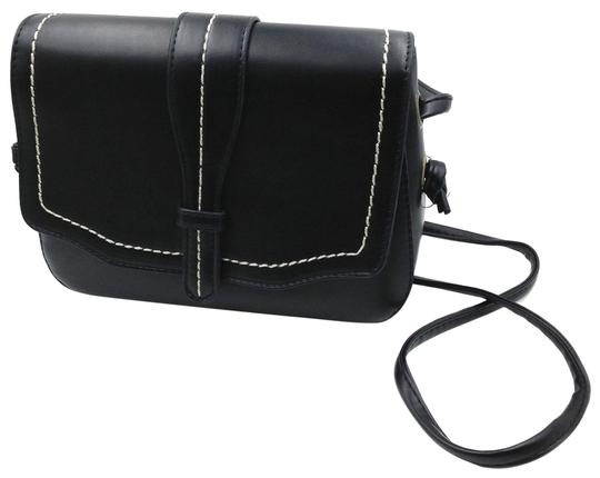 Preload https://img-static.tradesy.com/item/23340622/women-s-black-faux-leather-shoulder-bag-0-1-540-540.jpg
