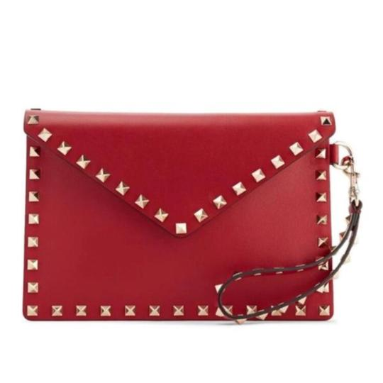 Preload https://item4.tradesy.com/images/valentino-rockstud-envelope-leather-pouch-wristlet-clutch-23340698-0-0.jpg?width=440&height=440