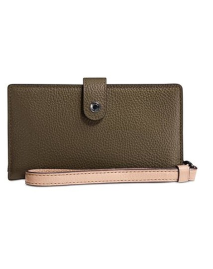 Preload https://item4.tradesy.com/images/coach-wristlet-phone-wallet-fit-iphone-78-multicolor-leather-clutch-23340793-0-0.jpg?width=440&height=440