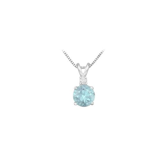Preload https://img-static.tradesy.com/item/23340812/blue-white-gold-diamond-and-round-aquamarine-solitaire-pendant-14k-1-ct-tgw-necklace-0-0-540-540.jpg