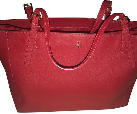 Preload https://img-static.tradesy.com/item/23340832/tory-burch-robinson-collection-red-leather-tote-0-1-540-540.jpg