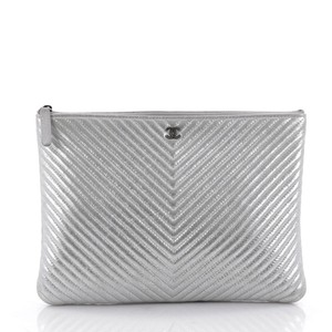 8080a1732069 Chanel O-case Zip Pouch Pochette Large Metallic Silver Clutch