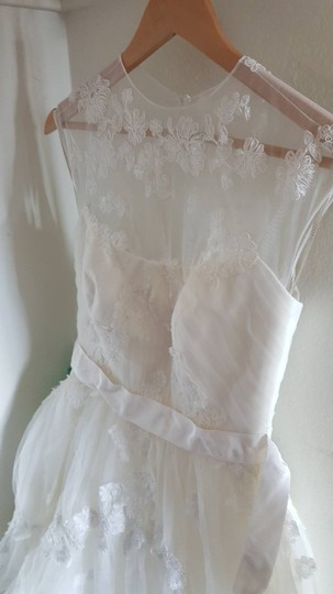White by Vera Wang Ugansha Ball Gown Feminine Wedding Dress Size 4 (S)