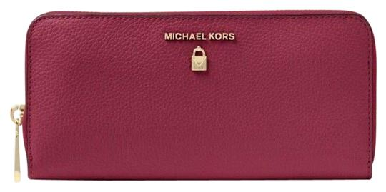 Preload https://item2.tradesy.com/images/michael-kors-mulberry-sutton-leather-continental-wallet-23341081-0-1.jpg?width=440&height=440