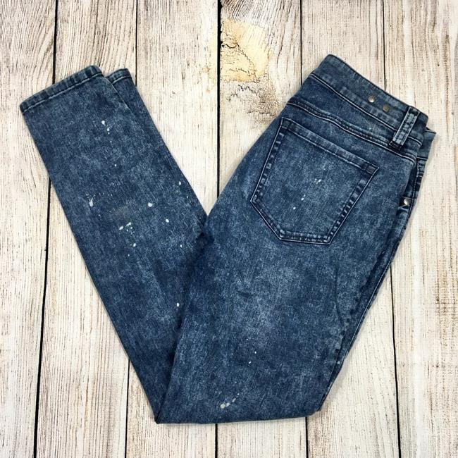 Preload https://img-static.tradesy.com/item/23341234/cabi-blue-paint-splattered-skinny-jeans-size-2-xs-26-0-0-650-650.jpg
