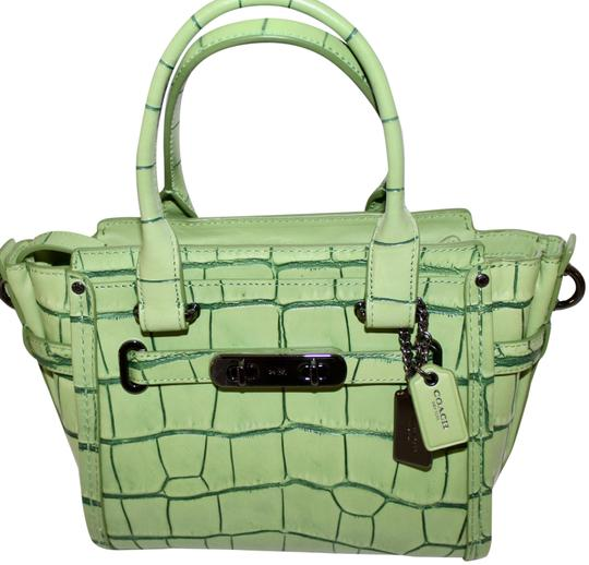 Preload https://item3.tradesy.com/images/coach-swagger-new-21-carryall-in-croc-embossed-37698-leather-satchel-23341267-0-1.jpg?width=440&height=440