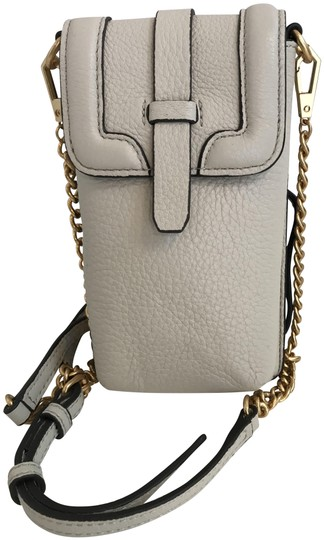 Preload https://item1.tradesy.com/images/rebecca-minkoff-feedbag-phone-alabaster-pebbled-leather-cross-body-bag-23341275-0-1.jpg?width=440&height=440