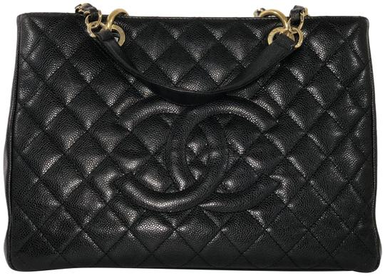 Preload https://img-static.tradesy.com/item/23341728/chanel-shopping-tote-caviar-grand-in-with-gold-tone-hdw-black-leather-shoulder-bag-0-1-540-540.jpg