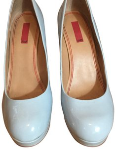 5/48 Ice Blue Pumps