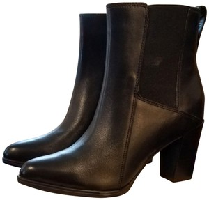 Clarks Zippered Opening 6 Inch Shaft black Boots
