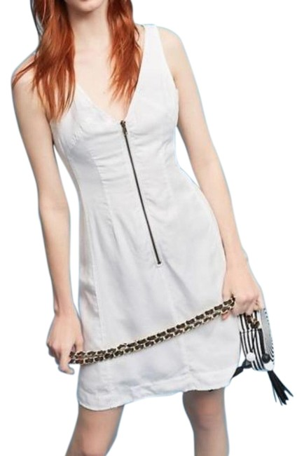 Item - White Nora Zip-front By Iiiia Retailed For Mid-length Cocktail Dress Size 4 (S)