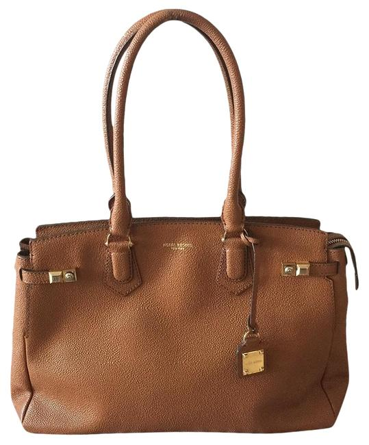 Item - Carlyle Caviar Brown Leather Tote