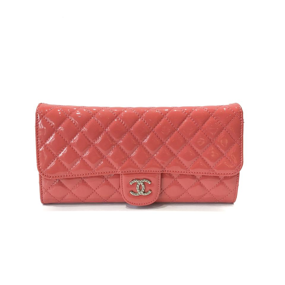 78c30e085b12 Chanel East West Clutch Quilted Brilliant Pink Patent Leather ...