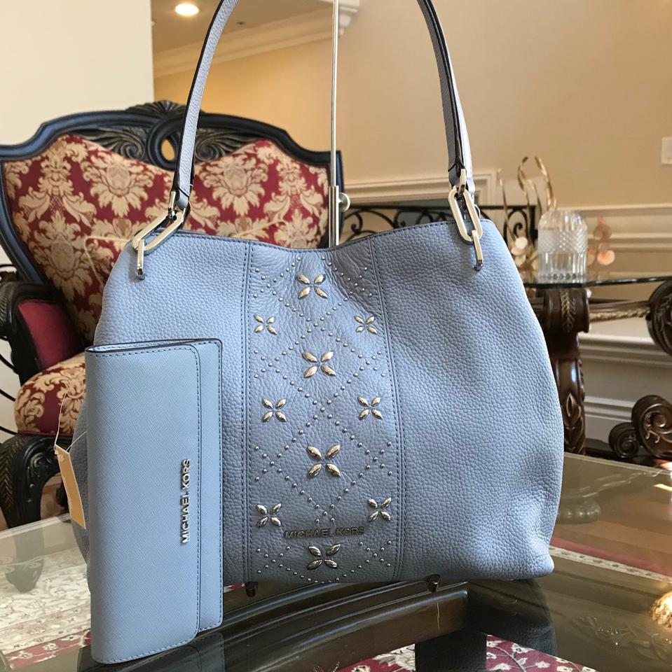 8cc990f27ae0 Michael Kors Leighton Tote Bundled W Slim Flap Wallet Pale Blue Leather  Shoulder Bag