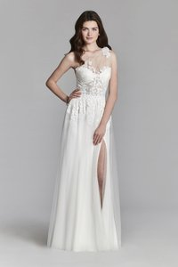 Jim Hjelm Ivory Lace Polyester Tulle Style 8700 By Hayley Paige Modern Wedding Dress Size 8 (M)