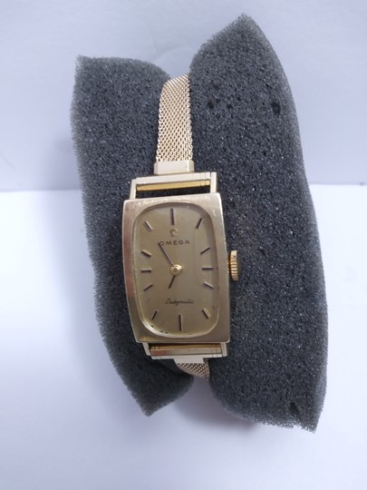 Omega Vintage Omega Ladymatic Ladies watch 14K