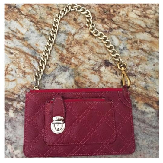 Preload https://img-static.tradesy.com/item/23350743/marc-jacobs-red-wine-gold-quilted-wristlet-zippered-wallet-0-0-540-540.jpg